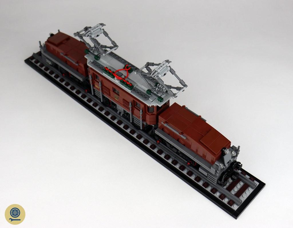 10277 Crocodile Locomotive 7