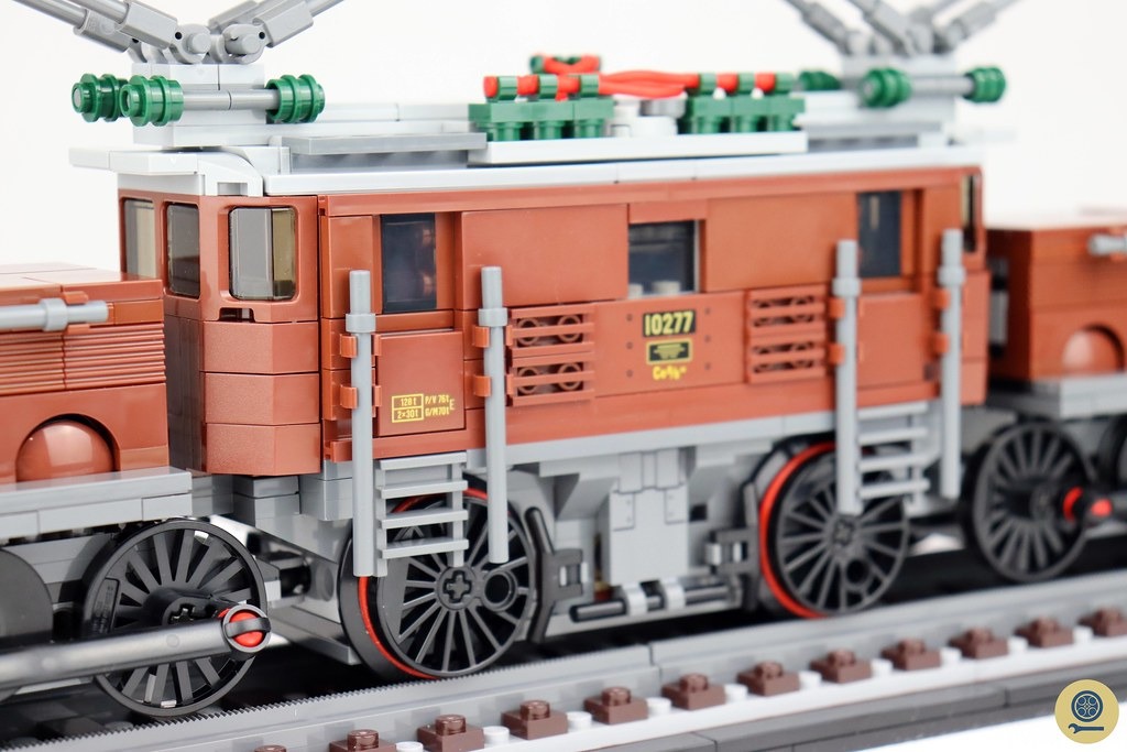 10277 Crocodile Locomotive 6