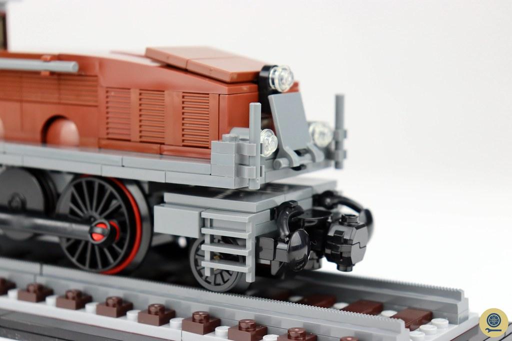 10277 Crocodile Locomotive 5