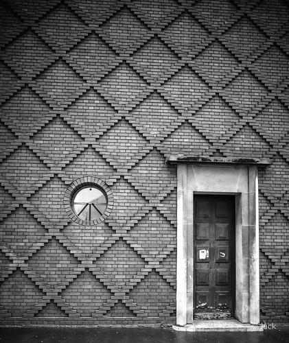 la porte et la fenêtre