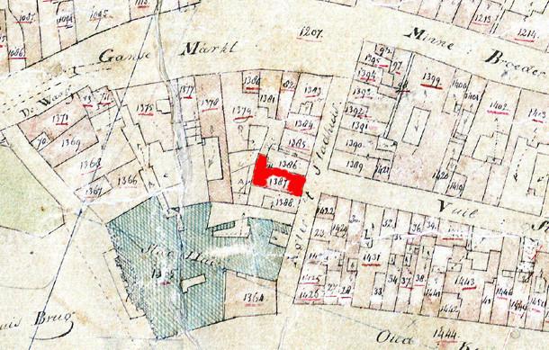 Korte Minrebroederstraat 4 - kadastrale ligging (rood perceel) [Bron: Kadastraal minuutplan (ca. 1821-1832), Gem. Utrecht. Sectie A, blok A39]