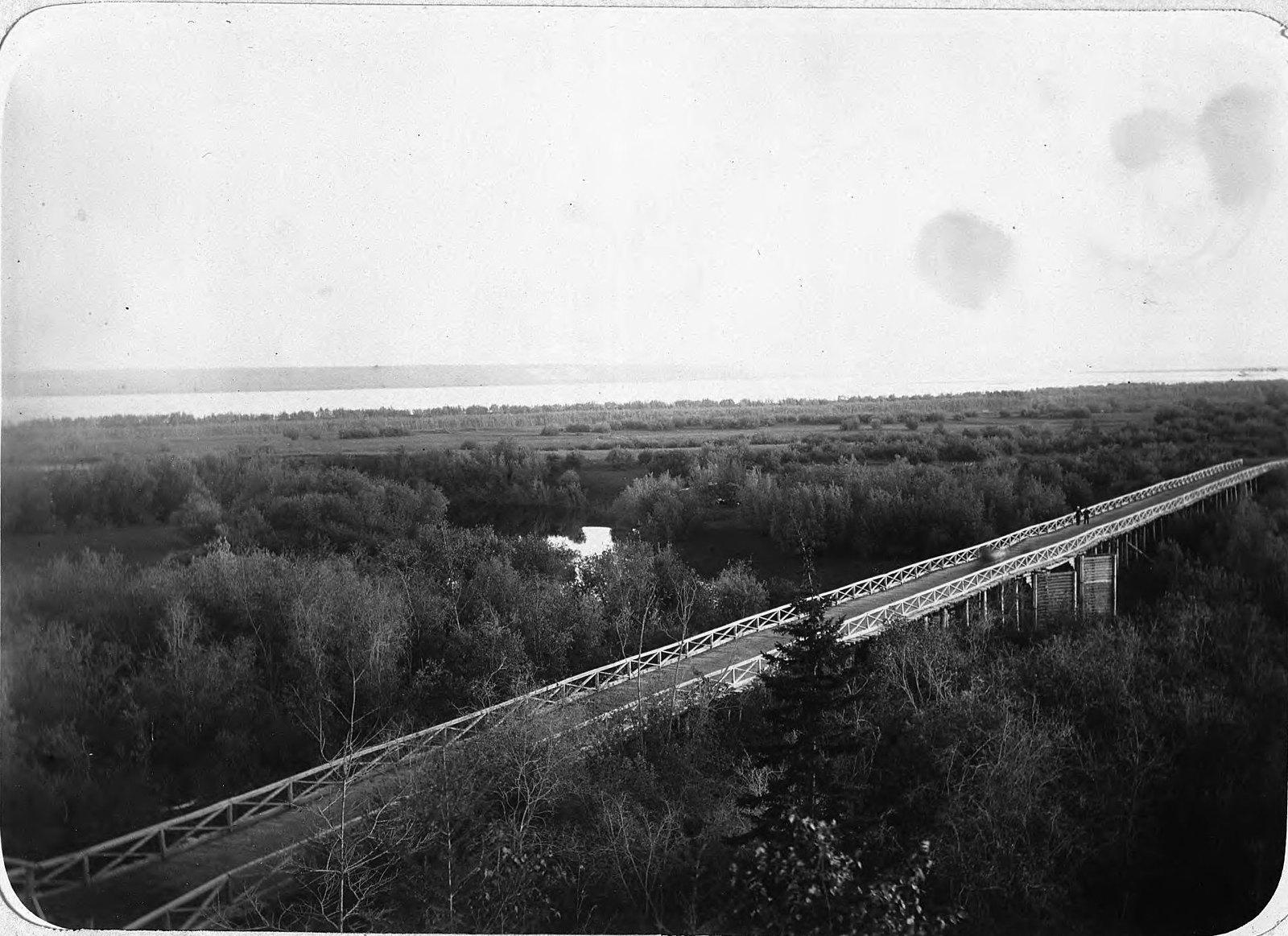 Мост в пойме Лены