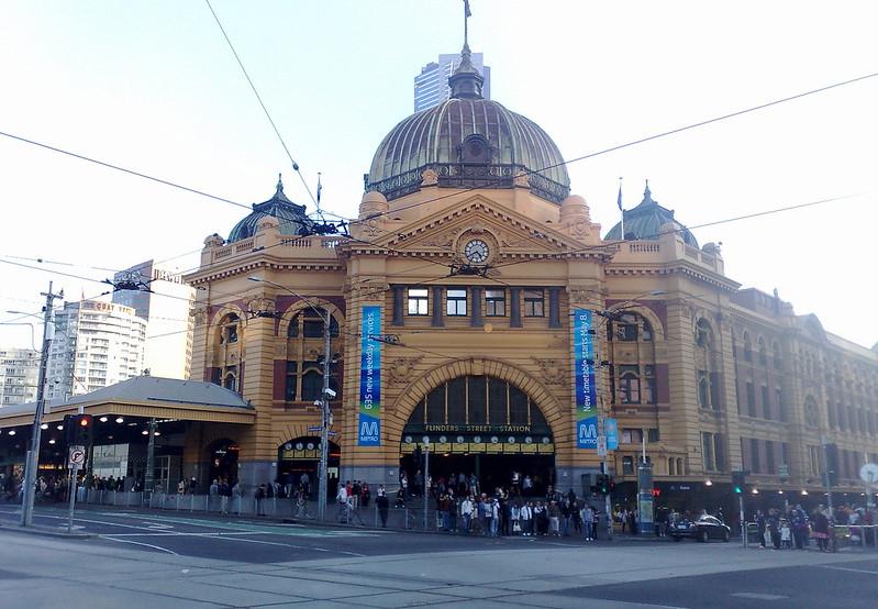 Flinders Street station (April 2011)