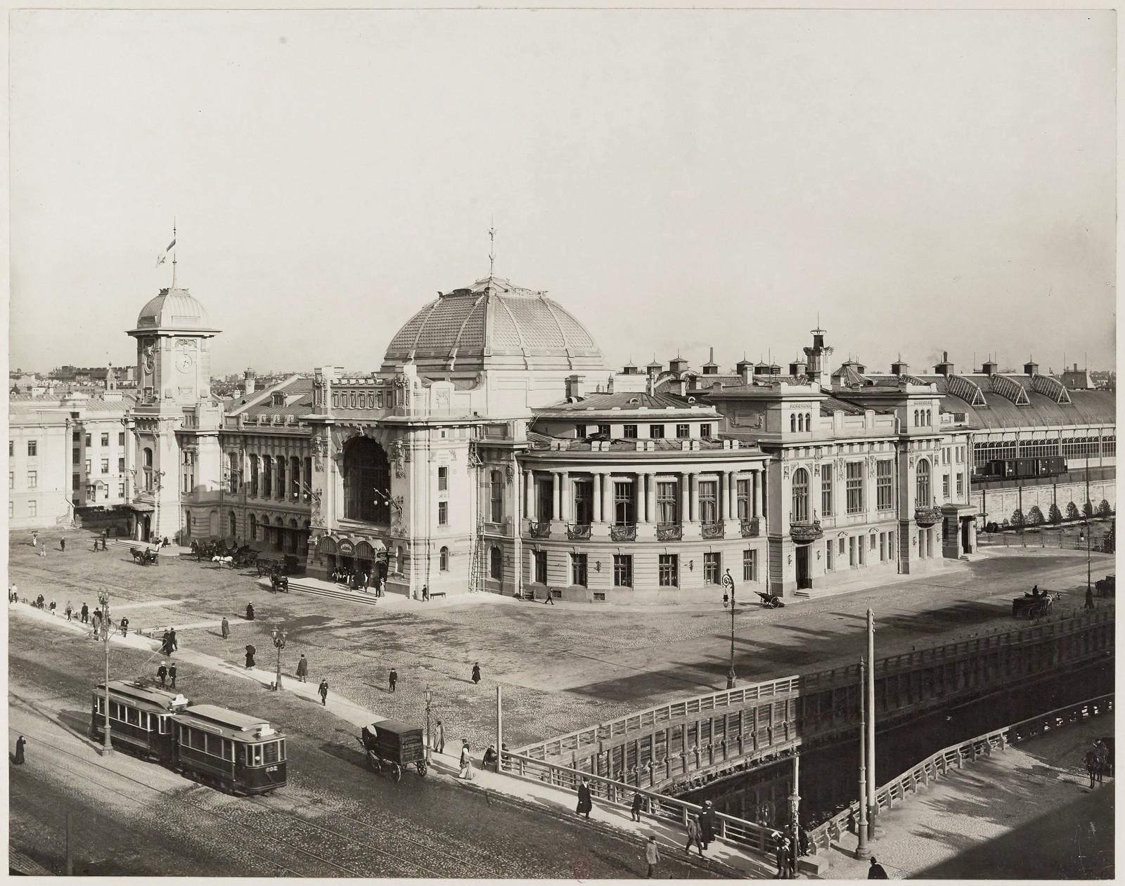 1910. Вид на Введенский канал и Царскосельский вокзал