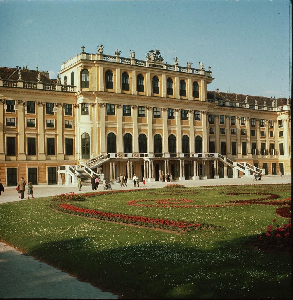 28. Дворец Шенбрунн в Вене, Австрия, дом династии Габсбургов