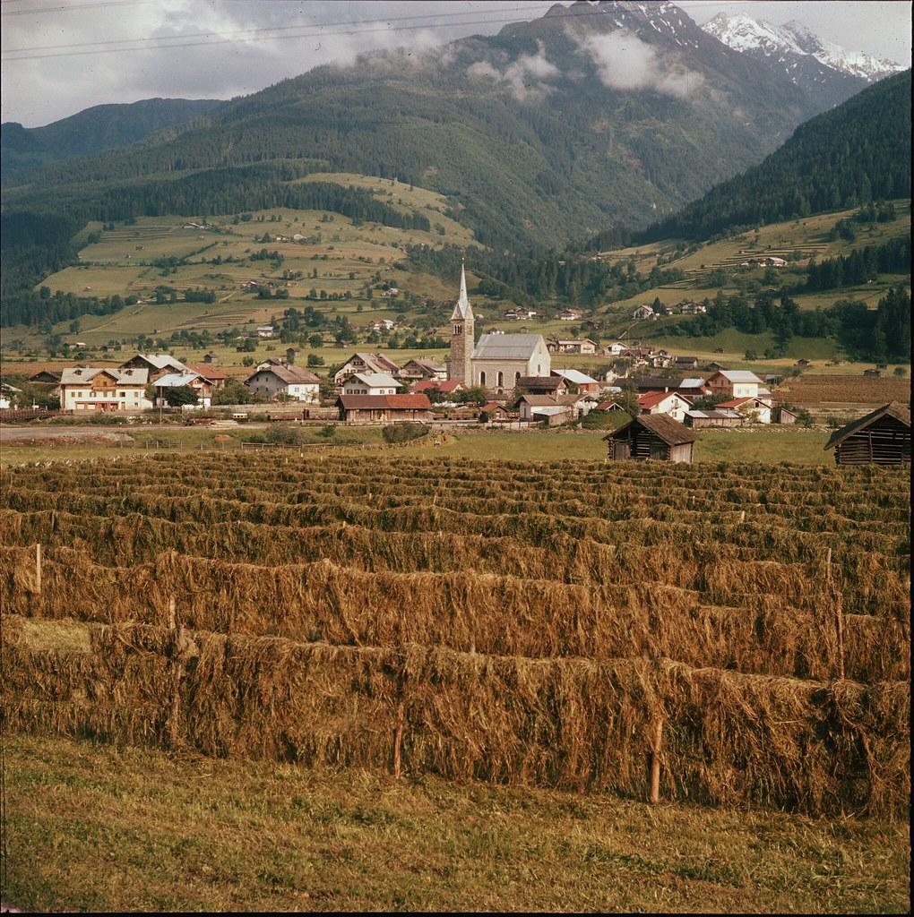 22. Вид на деревню в долине Зальцах, в популярном туристическом регионе Зальцкаммергут, в Верхней Австрии