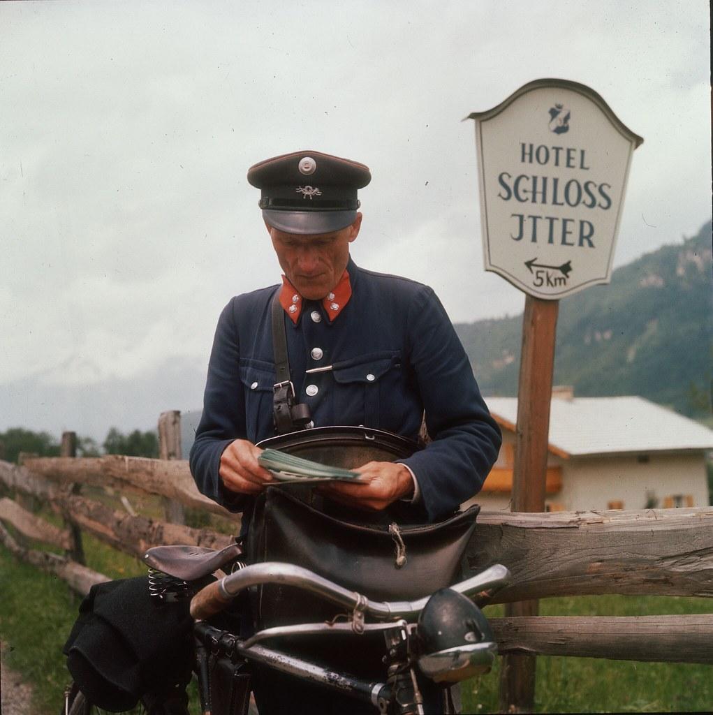 06. Сельский почтальон доставляет письма