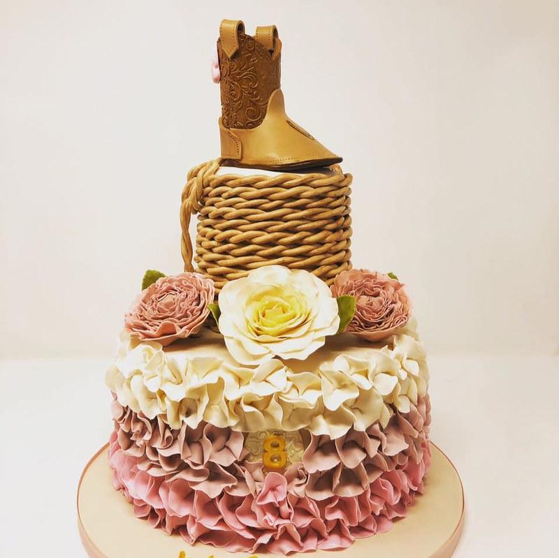 Cake by Kara's Pretty Cakes