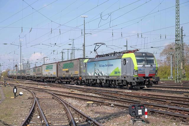 BLS Vectron 475 409 Basel Badischer Bahnhof