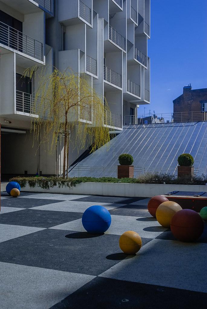 An attractive courtyard. детская площадка DSC_1682