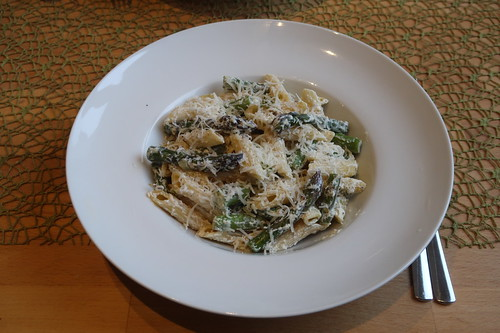 Penne mit grünem Spargel, Ricotta und Parmesan (mein Teller)