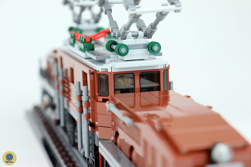 10277 Crocodile Locomotive 2