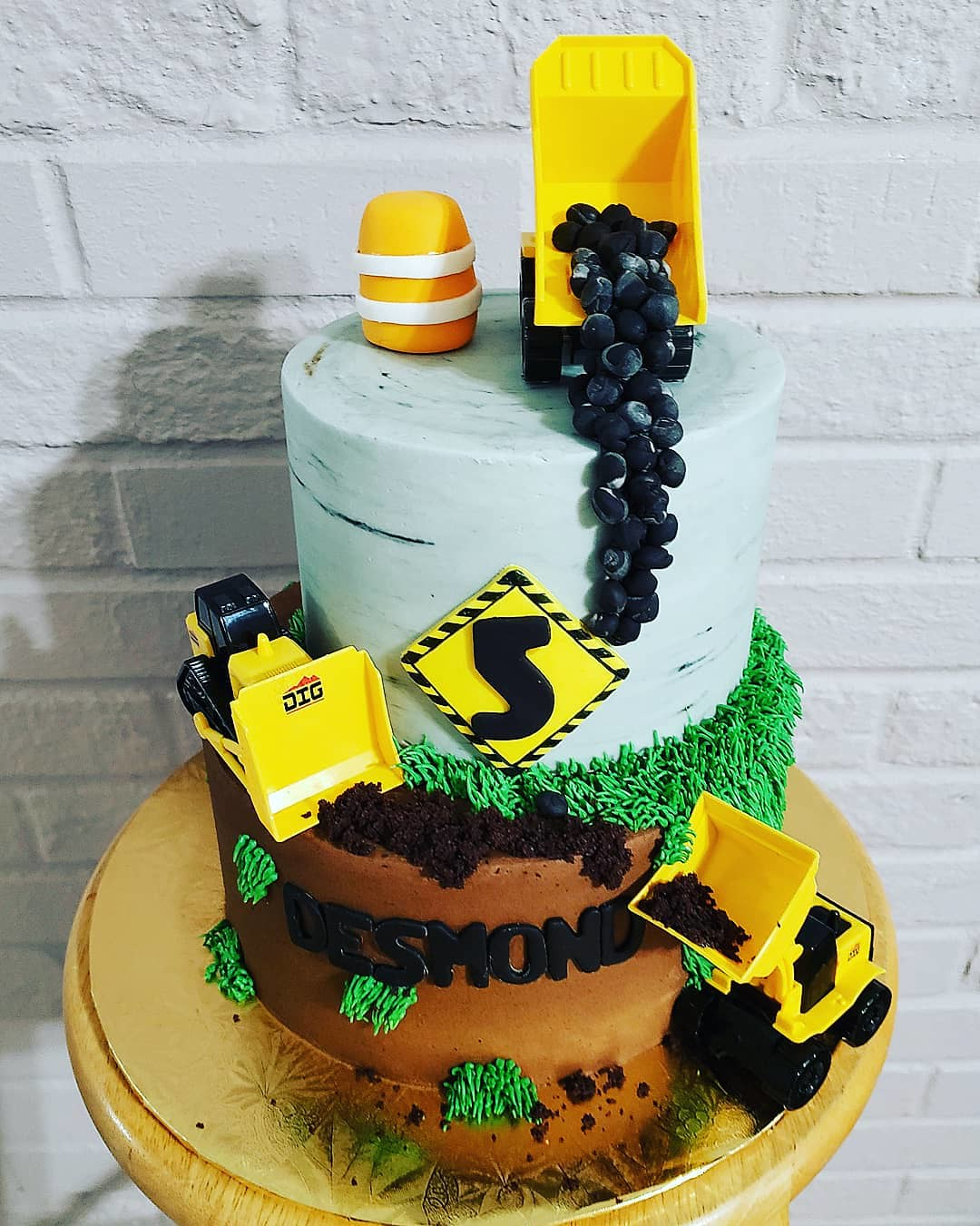 Cake by Michelle Cakes It