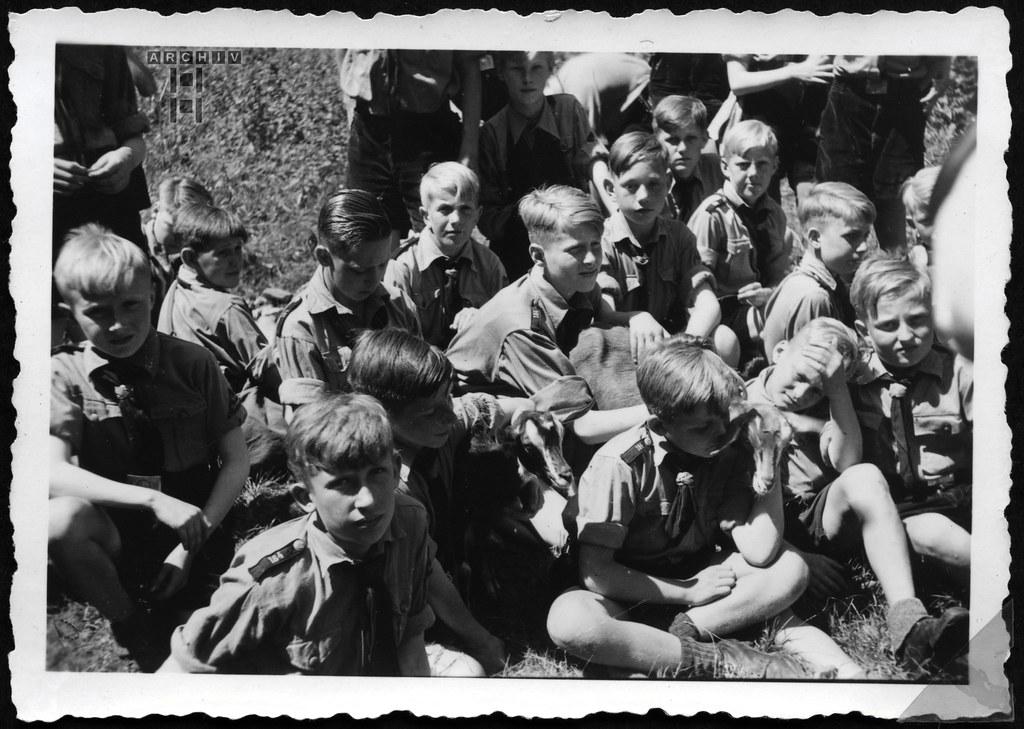 ArchivTappen233AAl3j652 Aufenthaltsort in der K.L.V., Burgruine Weitenegg, Österreich, 1930-1940er
