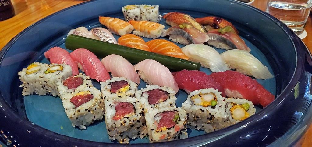 Chef's sushi combination