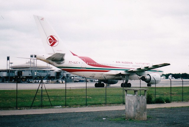 7T-VJC at Paris-CDG 1985 (scan)