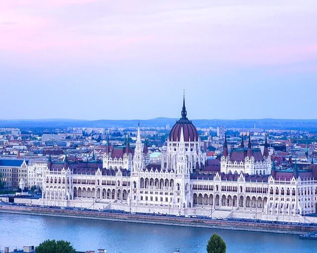 Atardecer en el Parlamento de Budapest