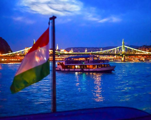 Barco por el Danubio