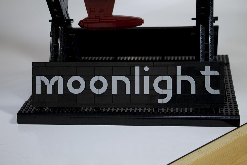 Moonlight Super Yacht Sign (by Ralph Savlesberg)