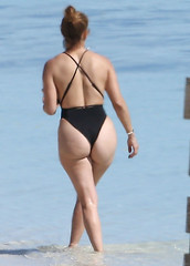 Jennifer Lopez big ass bikini