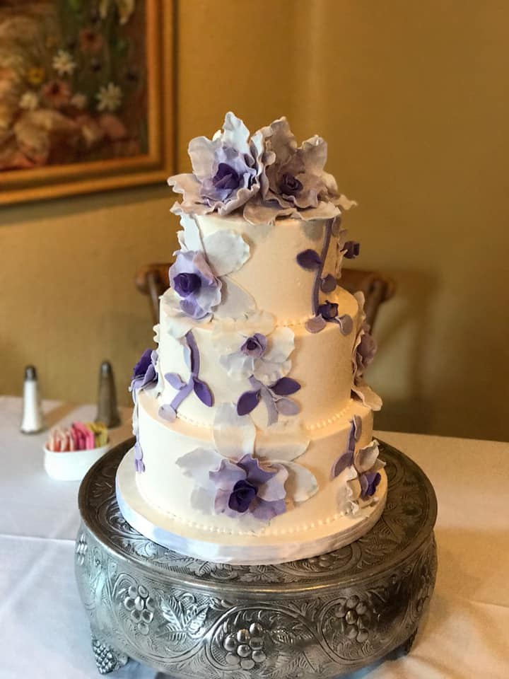 Cake by Carmalina's Bakery