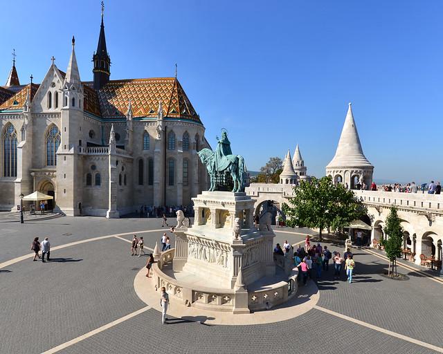 Bastión de los Pescadores uno de los imprescindibles que ver en Budapest