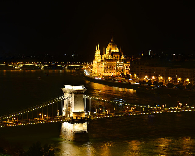 Vistas de noche de Budapest