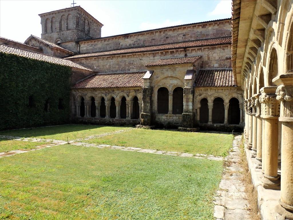 Santillana del Mar - Colegiata de Santa Juliana - Cantabria