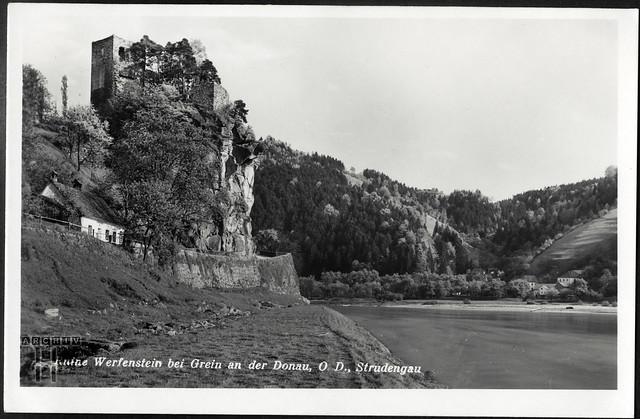 ArchivTappen233AAl3j658 Aufenthaltsort in der K.L.V., Ruine Werfenstein, Österreich, 1930-1940er