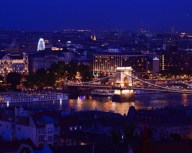 Puente de las Cadenas de Budapest desde el Bastión de los Pescadores