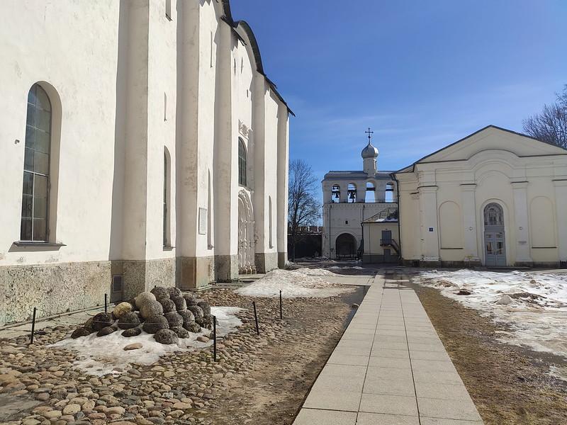 Великий Новгород - Новгородский кремль (Детинец) - Дорога к звоннице