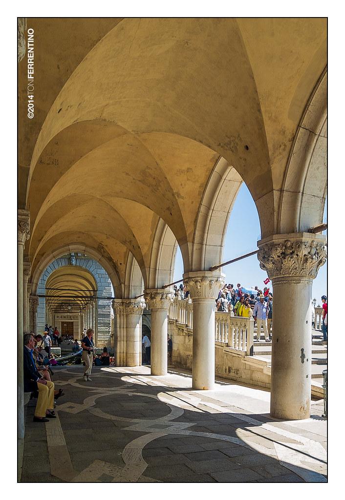 palazzo ducale, portico