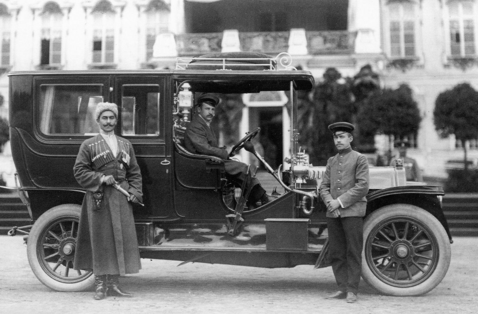 1911. Адольф Кегресс, личный шофёр императора Николая II и заведующим технической частью императорского гаража. 9 сентября