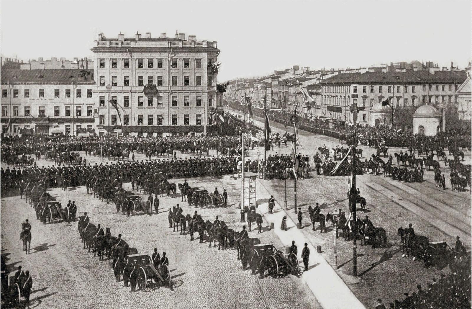 1897. Подготовка к встрече австрийского императора Франца-Иосифа I на Знаменской площади