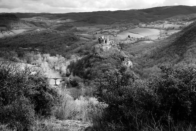 L'Aveyron et le château de Penne