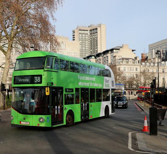 Arriva London - LT4 - LTZ1004 - Uber Eats