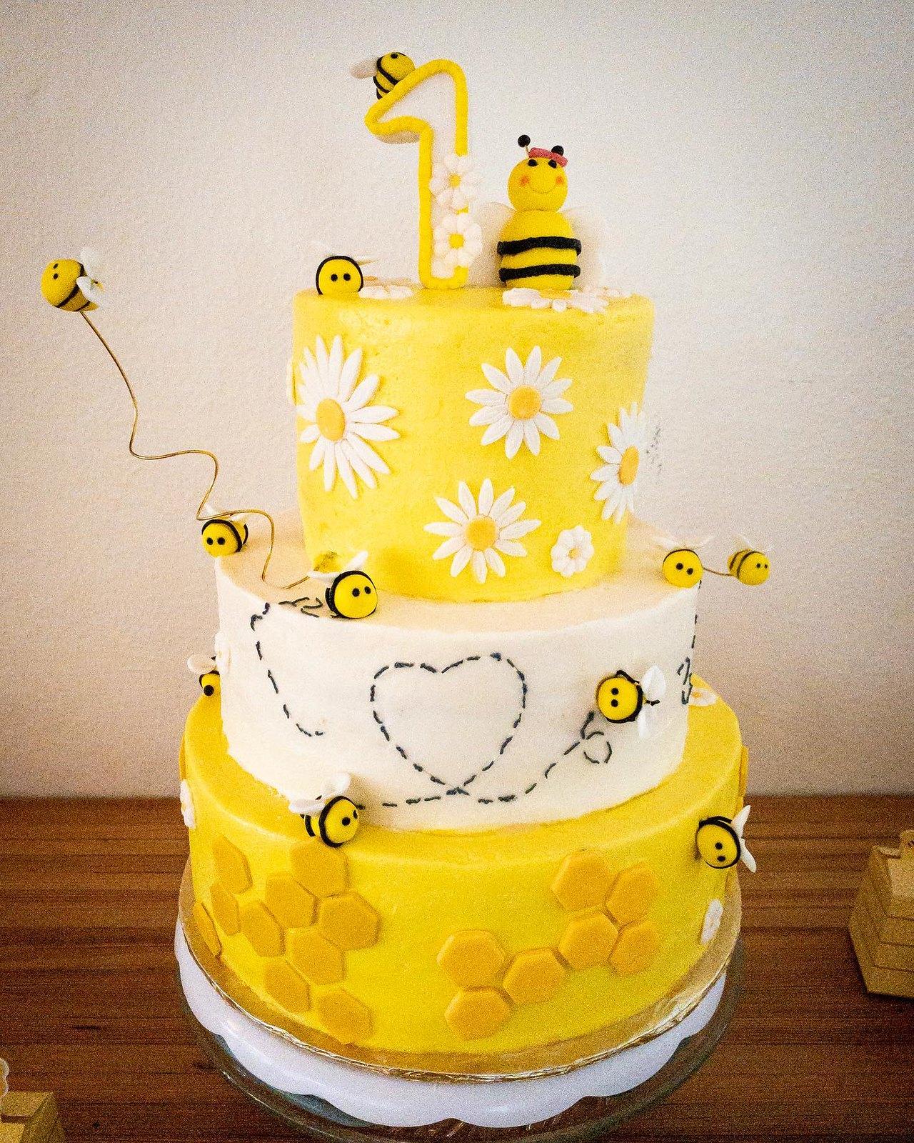 Cake by Bunny Mama Cakery