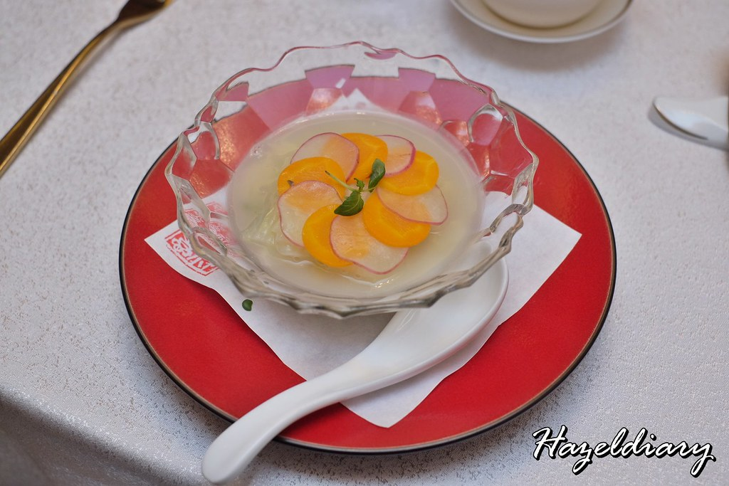 Crystal Jade Restaurants-Poached Tianjin Cabbage and Baby Spinach in Porridge Rice Broth