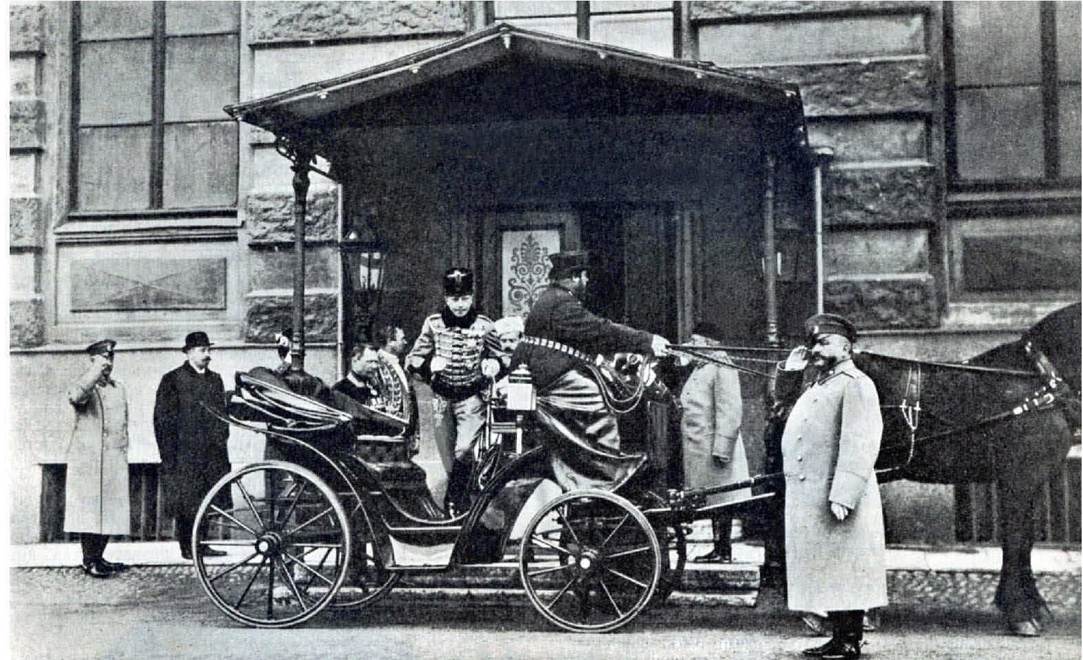 1908. Испанский инфант Дон Фернандо прибыл с визитом в Зимний дворец