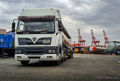 deltic17 posted a photo:on the docks