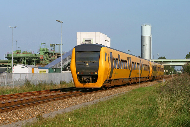 Noordnet 3449 + 3447 - sneltrein 30368 Groningen - Leeuwarden - Hoogkerk