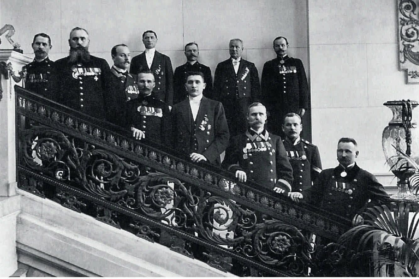 1910. Служители Высочайшего двора