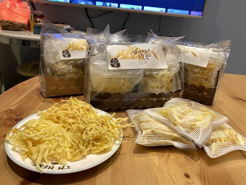 熱銷2021團購零食推薦!香濃好吃乳酪絲、起司條,原味千尋乳酪絲手工親撕烘焙~ @秤秤樂遊遊