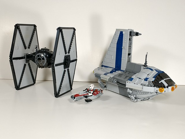 Lego Minifigure scale Separatist shuttle, First order tie fighter and Barc Speeder