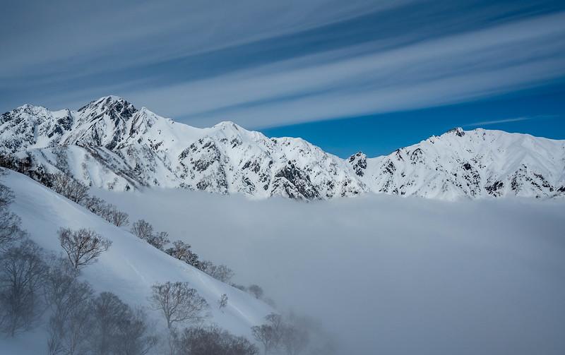 冬の五竜岳と唐松岳