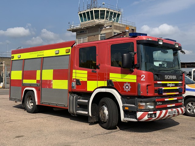 RX05 HGG Scania 94D 300 Angloco WRT base at Gatwick Airport