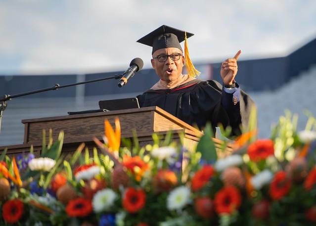Kenneth Kelly speaking at Auburn University's commencement