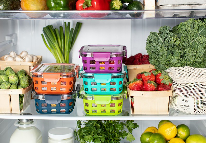 Kitchen Cleaning Tips - Clean and tidy refrigerator