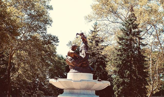 Pittsburgh Pennsylvania - The Mary Schenley Memorial Fountain - Oakland  District