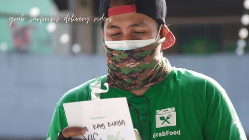 Touching Video:  Grab Surprises Riders with Grocery Deliveries